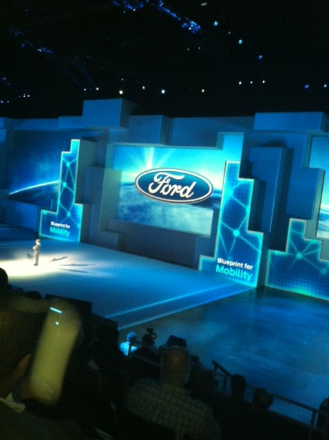 Ford reveals the 2015 F-150 at the Joe Louis Arena (2014 North American International Auto Show)