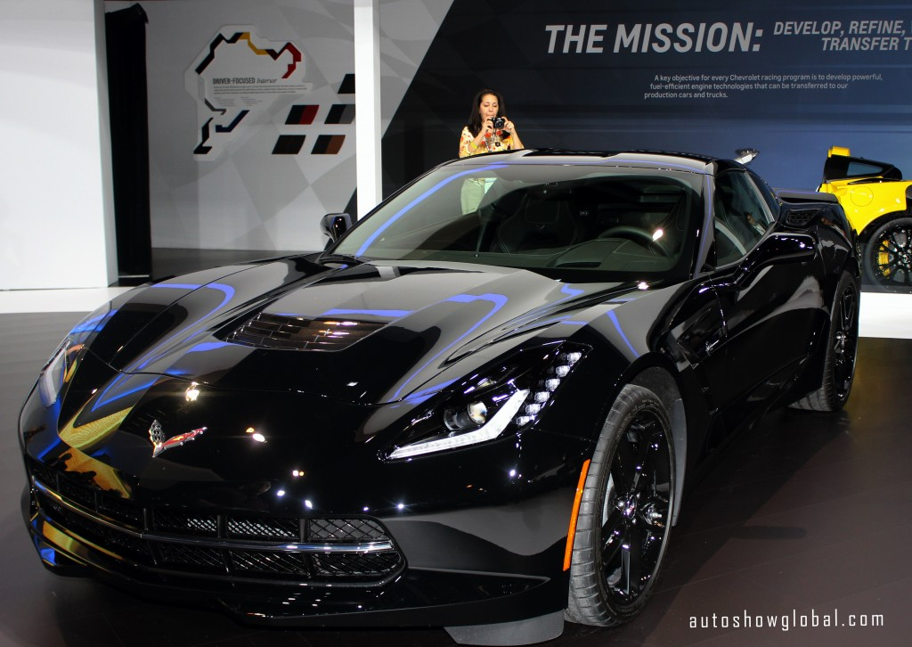 Chevrolet-Corvette-Stingray-driven-by-S.H.I.E.L.D.s-Black-Widow-at-the-2014-Chicago-Auto-Show-Media-Preview-on-Feb.-6-2014.-Photo-by-India-Walker-for-autoshowglobal.com