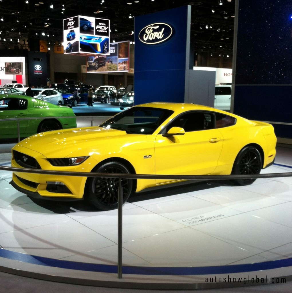 New-Ford-Mustang-on-display-at-the-Chicago-Auto-Show-preview-Feb.-6-2014.-Photo-by-Deon-Pointer-for-autoshowglobal.com