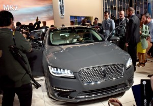2017 Lincoln MKZ at its reveal in Los Angeles