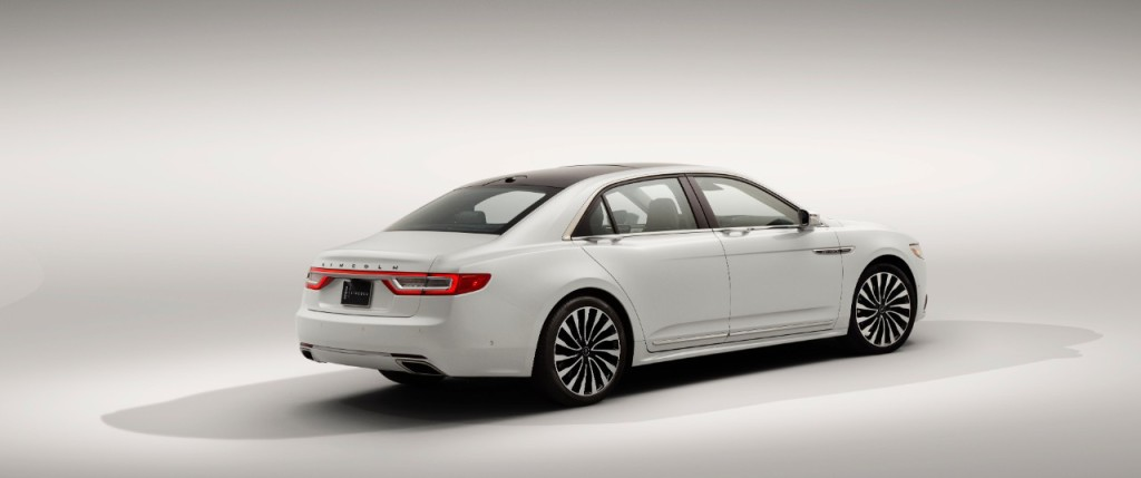 17LincolnContinental_07_HR
