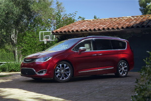 2017 Chrysler Pacifica was revealed at the 2016 North American International Auto Show on Jan. 11